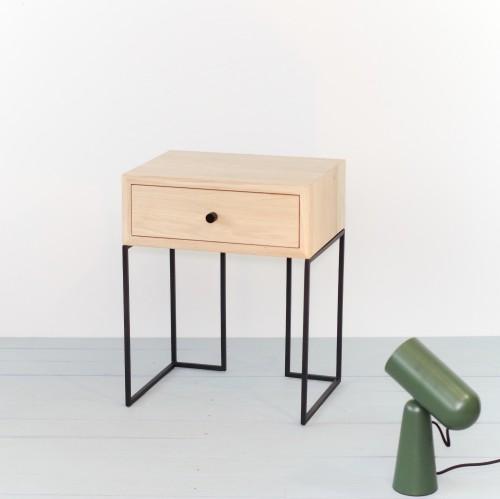 Ąžuolinis staliukas prie lovos NORD 02 NORDIC-L