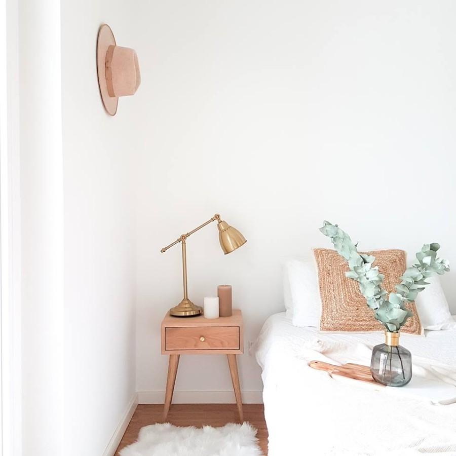 NORD 02 spintelė prie lovos ,balintas  ąžuolas