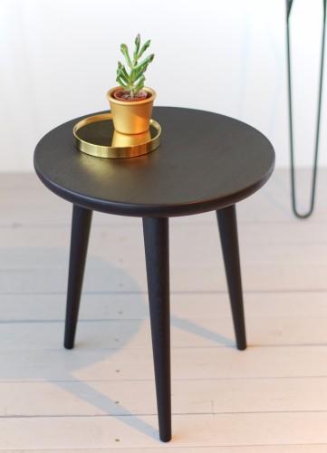 STOOL 02 - Juodas mažas staliukas, ąžuolinė kėdė, taburetė , gėlių stovas, lovos staliukas